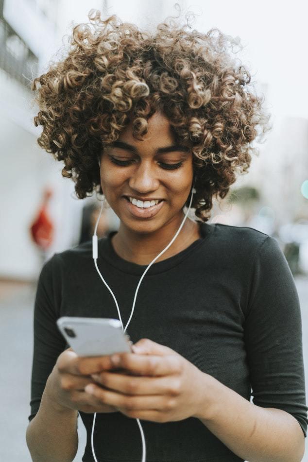 割れる 夢 携帯 【夢占い】携帯電話の夢が示す18の意味|機種交換・拾う・水没するなど