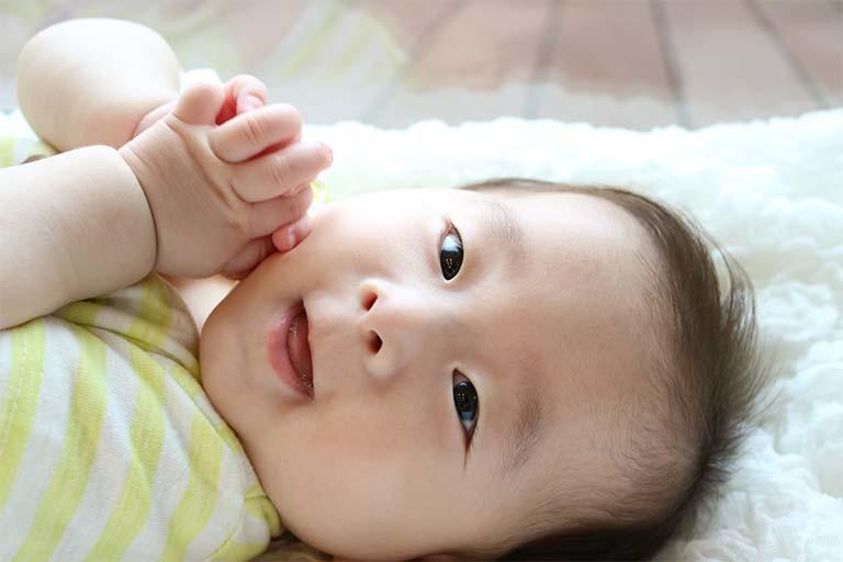 赤ちゃん モロー反射 てんかん 違い